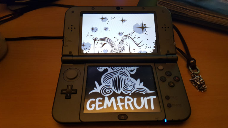 Customized New Nintendo 3DS with splash screen